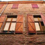 Edificio en el centro histórico de Perpiñán al sureste de Francia