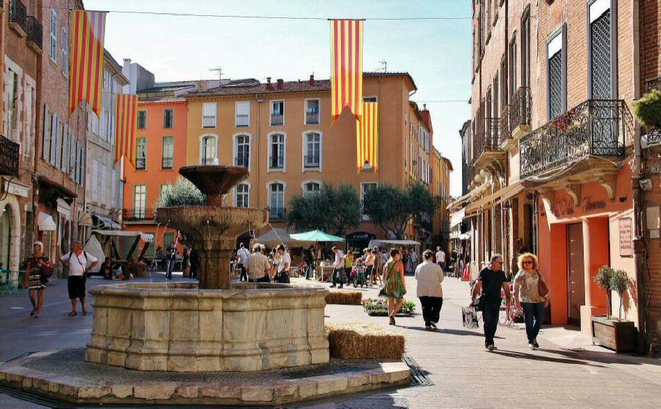 Mejores fotos de perpi n gu as viajar for Como ir de barcelona a francia