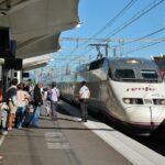 Tren AVE en la estación de Perpiñán al sur de Francia