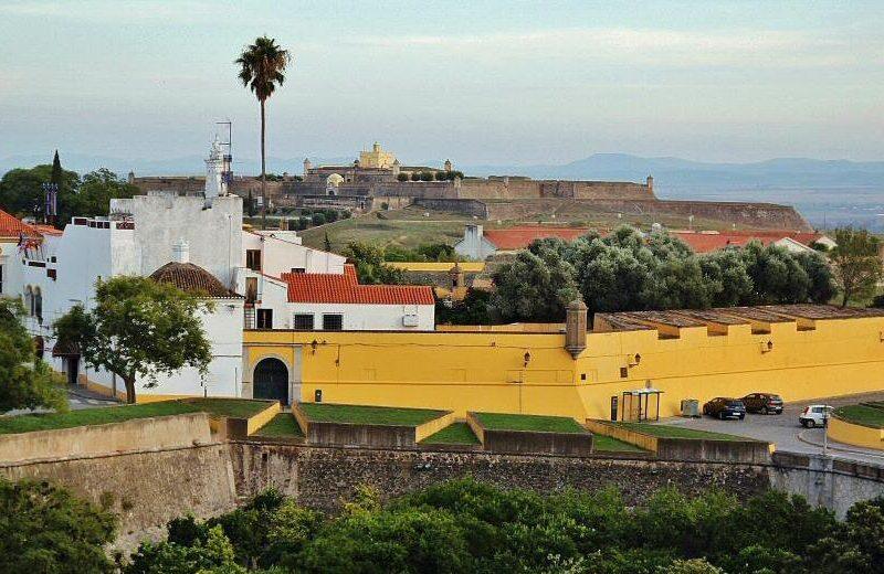 Fortificaciones en Elva en el Alentejo de Portugal