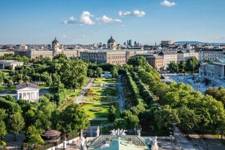 Museos y Parlamento en Ringstrasse de Viena