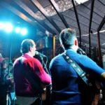 Música en un local de Benicàssim en el Día de las Paellas