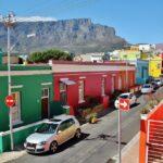Table Mountanin desde barrio malayo de Bo-Kaap en Ciudad del Cabo