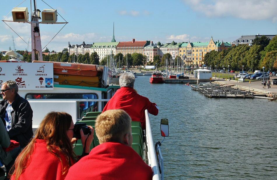 Crucero por las islas del archipiélago de Helsinki en Finlandia