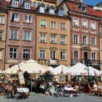 Plaza el Mercado en la Ciudad Vieja de Varsovia