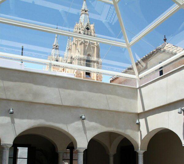Patio central del museo Carmen Thyssen de Málaga
