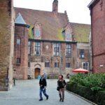 Recinto del Hospital de San Juan en Brujas en Flandes, Bélgica