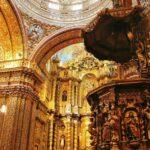 Pülpito en la iglesia de la Compañía en Quito