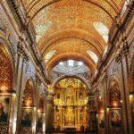 Interior de la iglesia de la Compañía en Quito