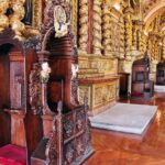 Confesionario en la iglesia de la Compañía en Quito