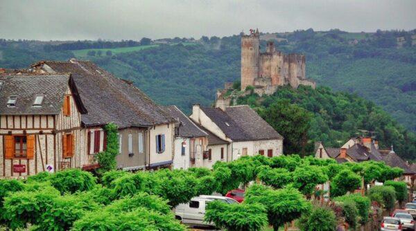 Najac, pueblo bonito en Occitania al sur de Francia