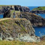 Paisajes de acantilados en Belle-Ile en Bretaña