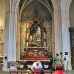 Capilla lateral de la catedral gótica de Quimper en Bretaña