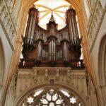 Organo de la catedral gótica de Quimper en Bretaña en Francia