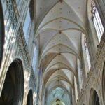 Techo de la catedral gótica de Amberes en Flandes