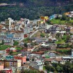 Barrios populares de Quito desde el mirador del Panecillo