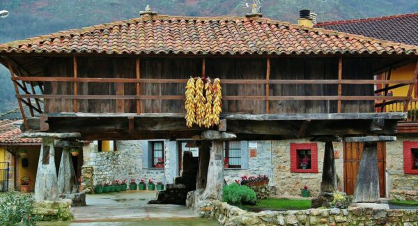 Hórreos en Bueño en Asturias