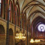 Techo de la nave central de la catedral de Bremen al norte de Alemania