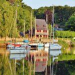 Rincón del estuario de Pont Aven en Bretaña al oeste de Francia
