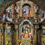 Rincón interior de la iglesia de San Francisco en Quito