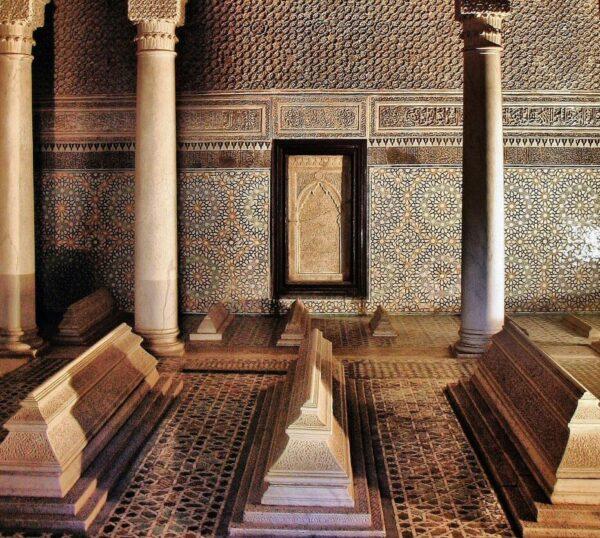 Sala de las Doce Columnas en las Tumbas Saadies en Marrakech