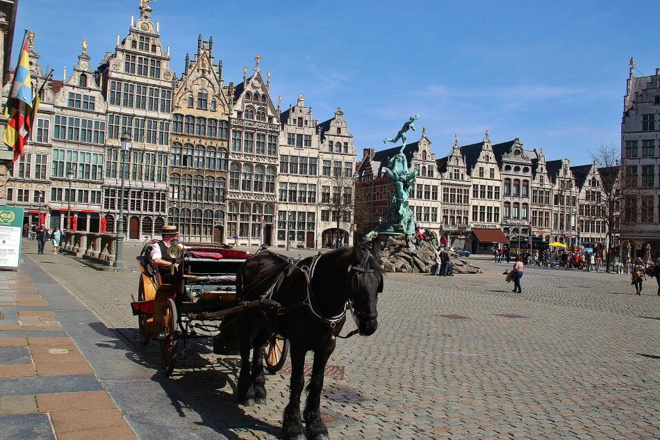 Plaza Mayor de Amberes en Flandes en Bélgica