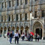 Fachada del ayuntamiento de Bruselas en la Grand Place