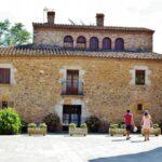 Rincón de la plaza del Castillo en Peratallada en Costa Brava