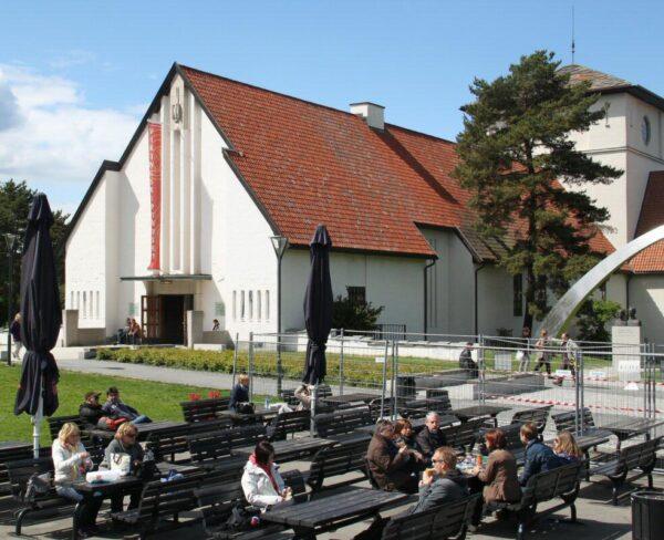 Edificio del Museo de Barcos Vikingos de Oslo en Noruega