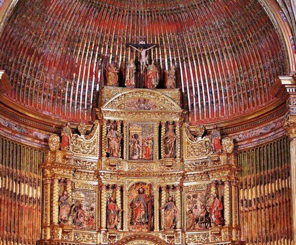 Iglesia de San Andrés en Elciego en Rioja Alavesa