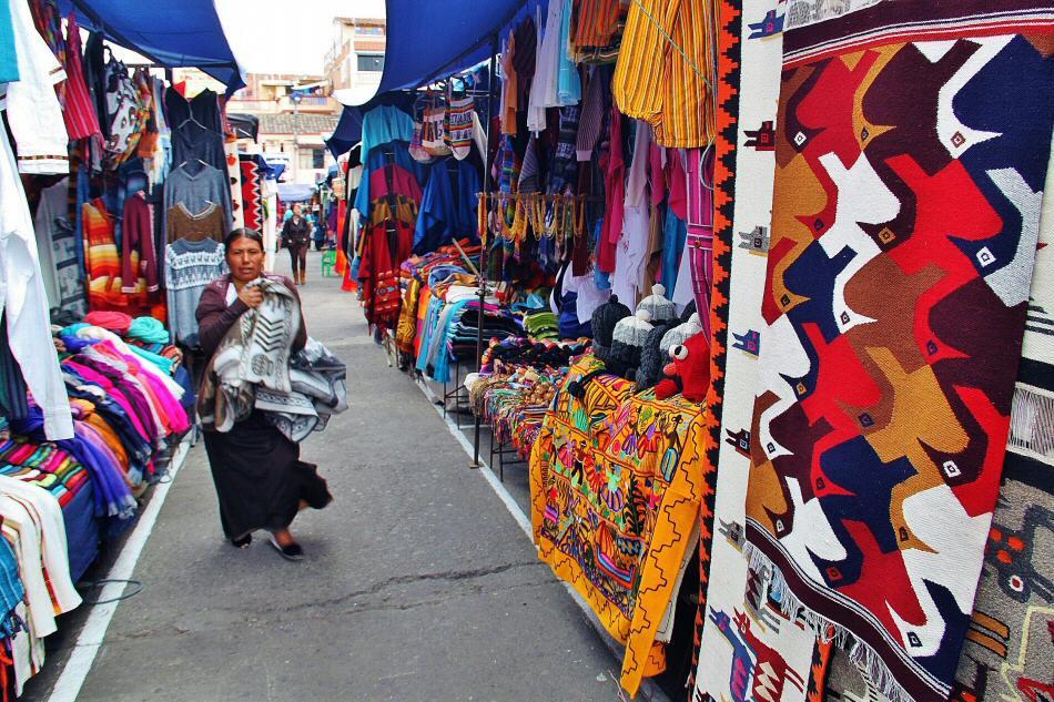 mercado artesanal de otavalo guías viajar