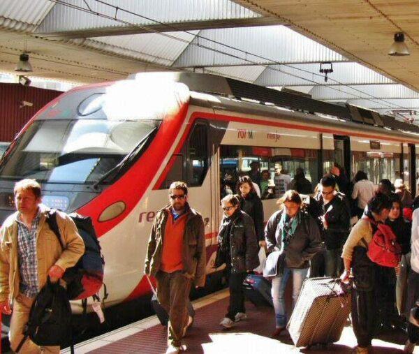 Tren de cercanías entre el aeropuerto del Prat y Barcelona