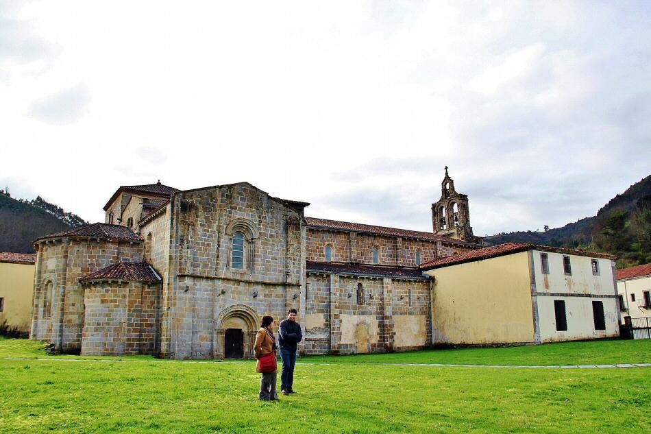 Monasterio de Santa María de Valdediós en Asturias