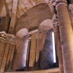 Columnas románicas en la catedral de Santo Domingo de la Calzada