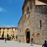 Monasterio de Sant Pere de Besalú en la provincia de Girona