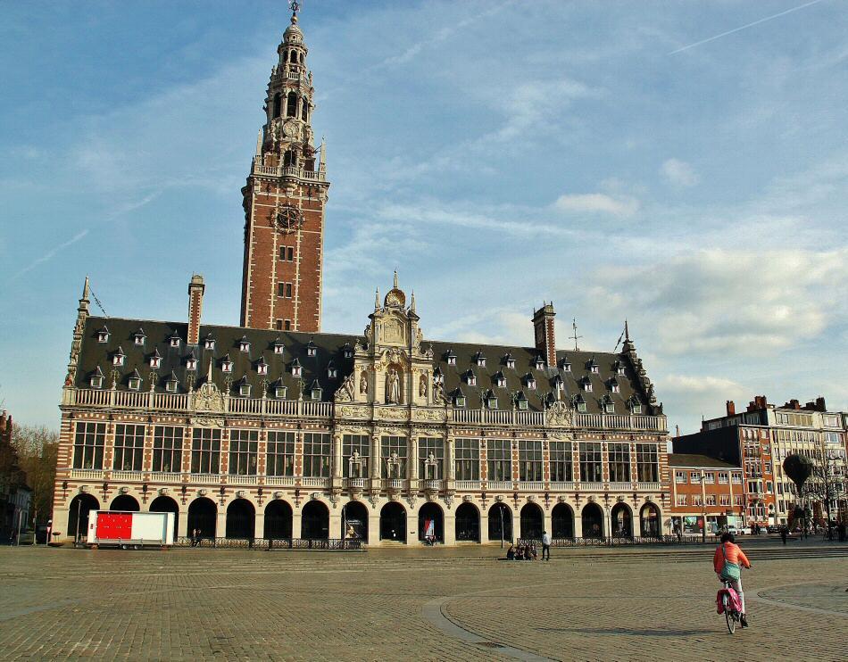 Biblioteca Universitaria de Lovaina en Flandes en Bélgica