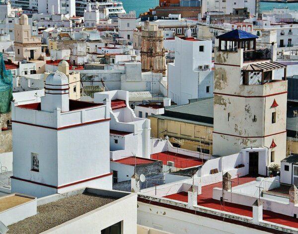 Torres vigía en el centro histórico de Cádiz