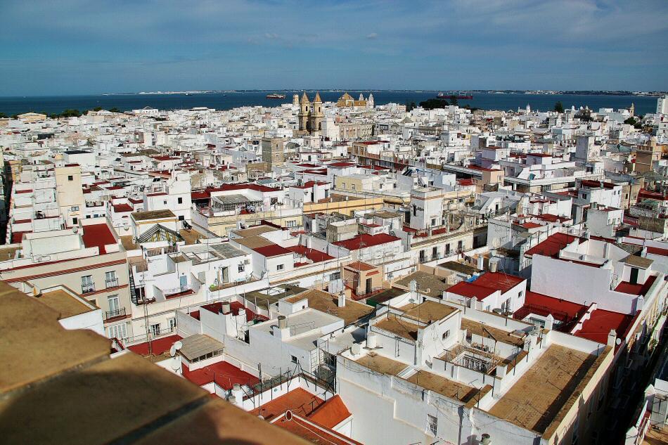 Vistas panorámicas de Cádiz desde la terraza de la Torre Tavira