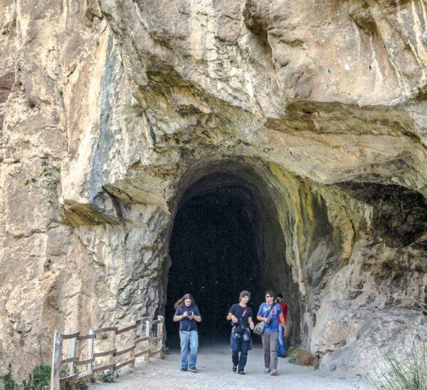 Antiguo túnel ferroviario en la Foz de Lumbier en Navarra