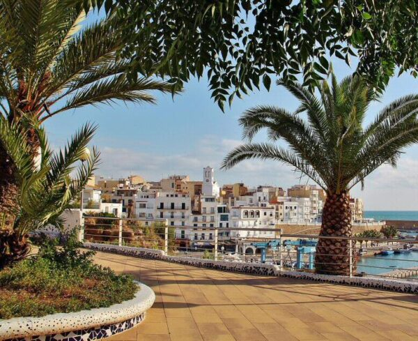 Plaza del Barco en Ametlla de Mar en Tarragona