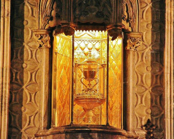 Santo Cáliz en la catedral de Valencia