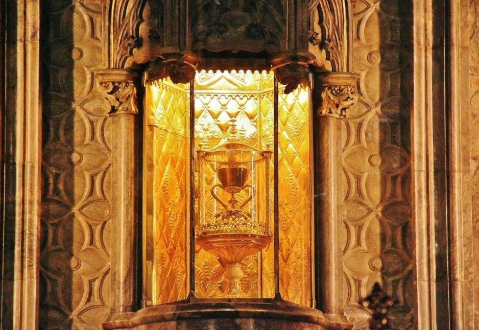 """Résultat de recherche d'images pour """"la catedral con el santo grial"""""""