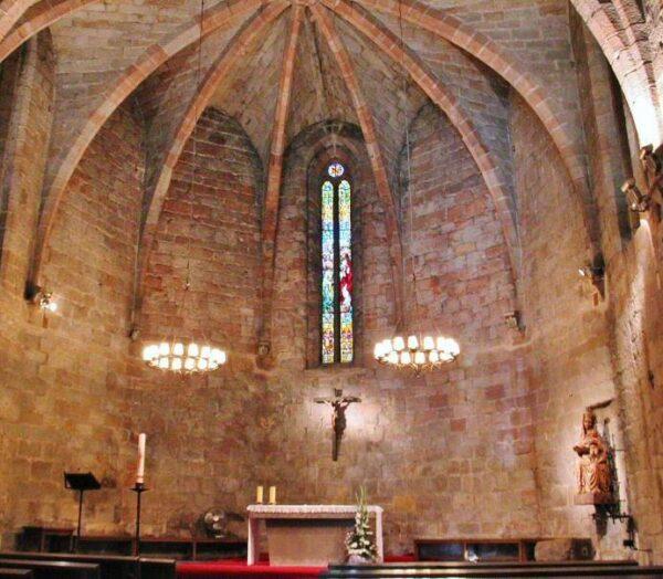 Iglesia de San Pedro en Pals en Costa Brava de Cataluña
