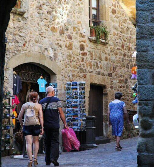 Rincón del pueblo gótico de Pals en la Costa Brava de Cataluña