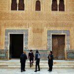 Fachada de Comares en palacios Nazaríes de Alhambra de Granada