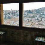 Rincón de los palacios Nazaríes en la Alhambra de Granada