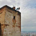 Torre de la Vela en la Alcazaba de la Alhambra de Granada