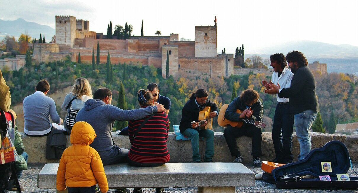 Cómo ver La Alhambra desde mirador San Nicolás (Albaicín Granada)   Guías  Viajar