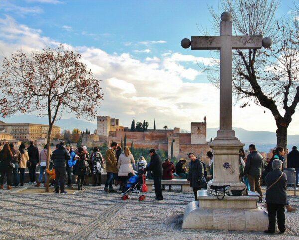 Mirador de San Nicolás en el barrio del Albaicín en Granada