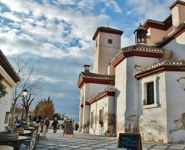 Iglesia de San Nicolás en Albaicín de Granada